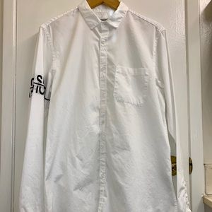 ZARA man white poplin with arm band lettering